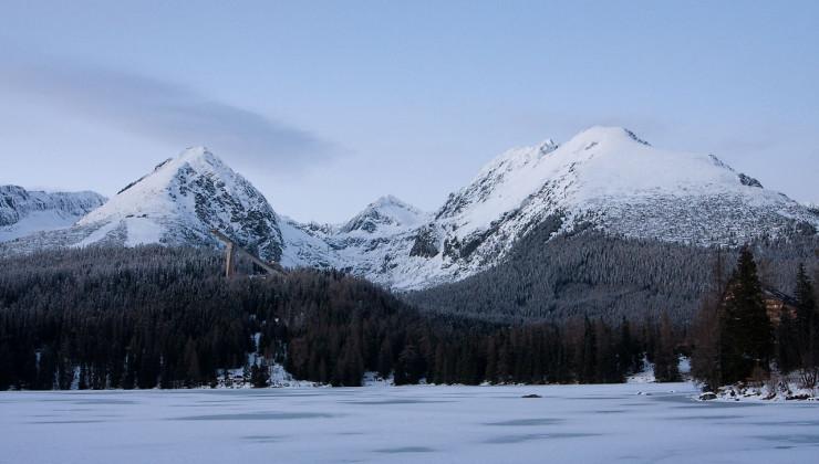 góra i jezioro